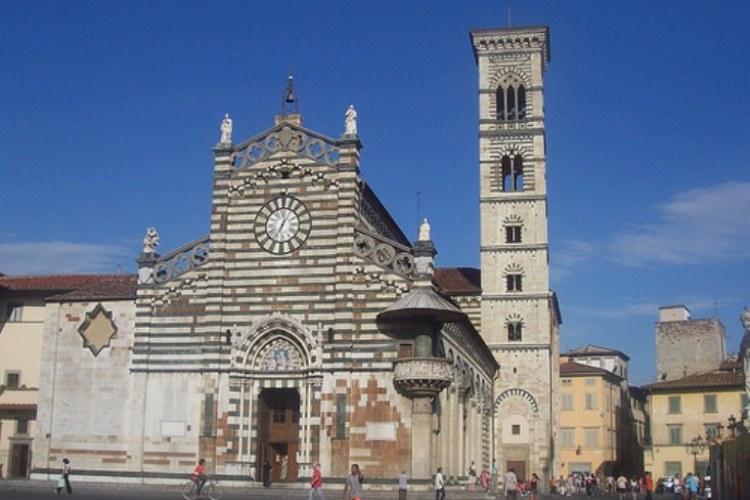 Cattedrale di santo stefano il duomo di prato for Piazza duomo prato